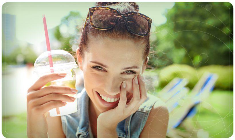 Caldo record: bere acqua pura ogni 45 minuti migliora le prestazioni del cervello.